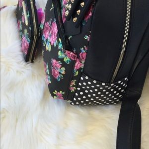 Betsey Johnson Bags - 🎉💕NEW🎉Betsey Johnson Floral Backpack and Wallet